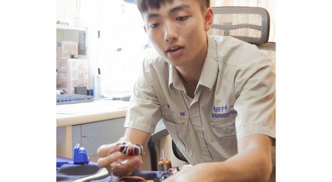 折翼網球夢 建中生當Maker自造電動車獲美國名校錄取!