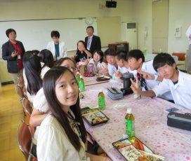 走出國際與當地學生互動 日常對話讓她英文大提升