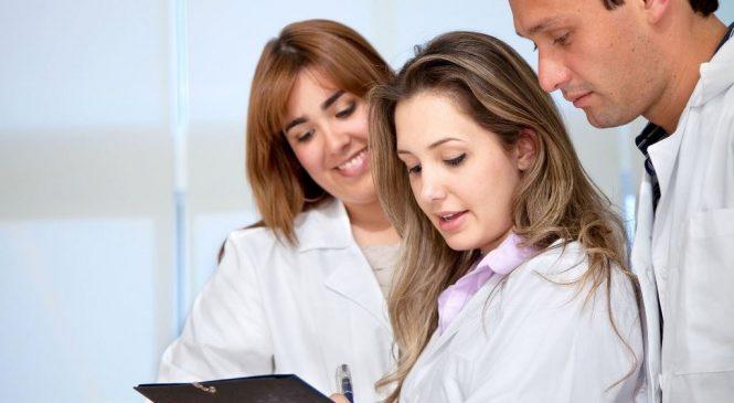 醫藥衛生學群學什麼?培養習醫之道 守護全民健康