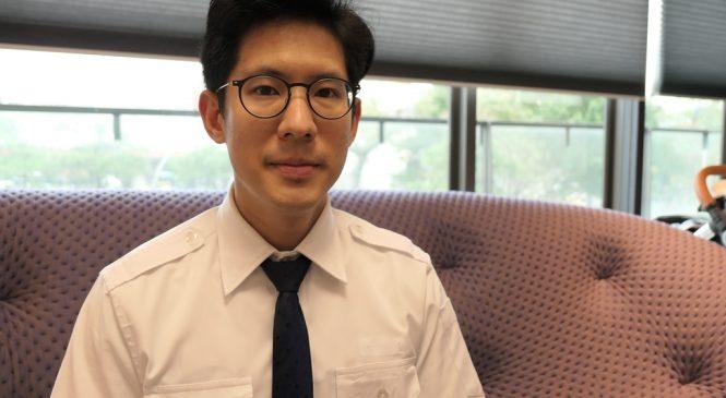 學英文/他憑英語力開啟職涯新道路 從溜冰國手轉職機師!