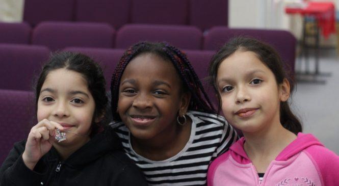 德州父母學英語 幫孩子也為親子情升溫