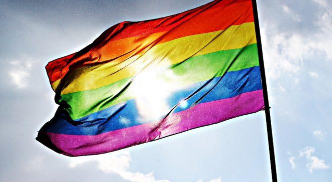 從同性婚姻合法議題 學會人權、平等英文怎麼說?