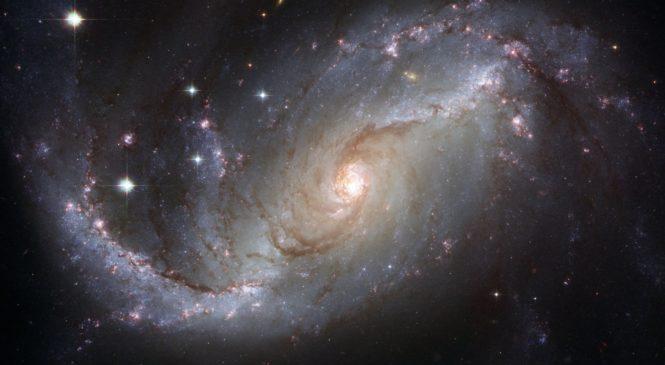望遠鏡橫跨四大洲 黑洞首度亮相