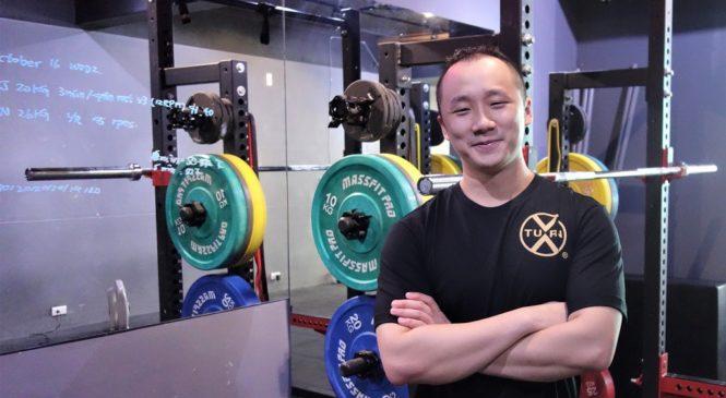 電子系畢業,他怎麼自學當上健身教練、還兼英文口譯