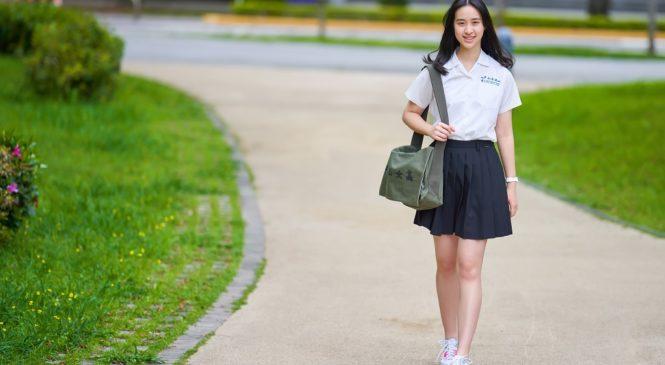 中山女高學生多益960 與越、泰高中生組隊做全英語科學報告得評審獎