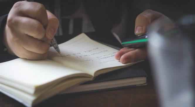 多益普及說寫篇/簡短互動題:搭配已知線索 學習根據場域提問