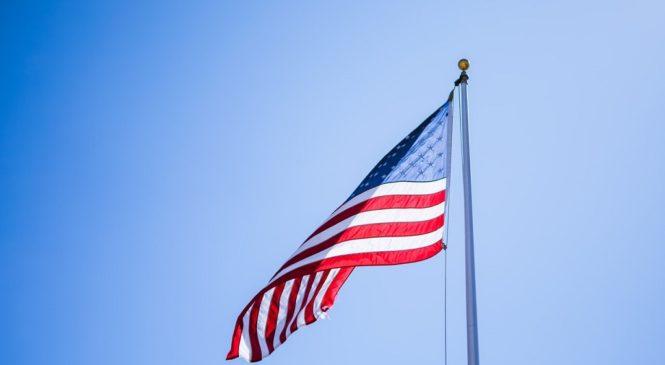 表態支持、造勢大會、加州惡火 從美國大選議題看多益