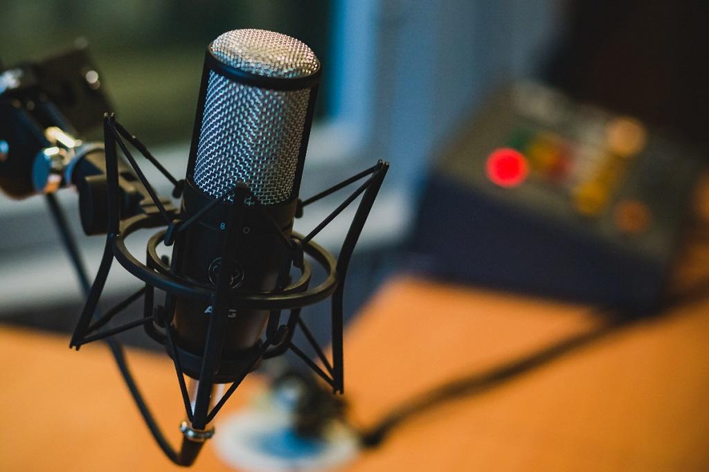 迎接台灣Podcast元年!英文三步驟 教你成為播客主 | | EnglishOK 中學英閱誌