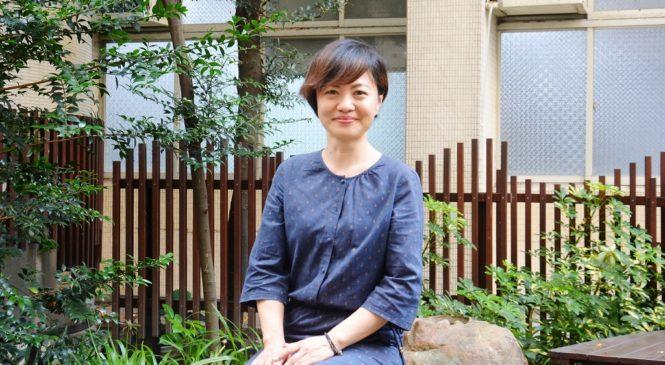 連結英語與生活,台中女中老師王琇嫻帶學生看見教室外的風景